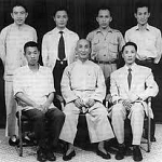 old photo of ip man with students.jpg